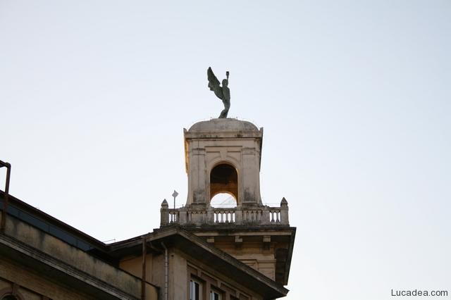 scuola piazza repubblica