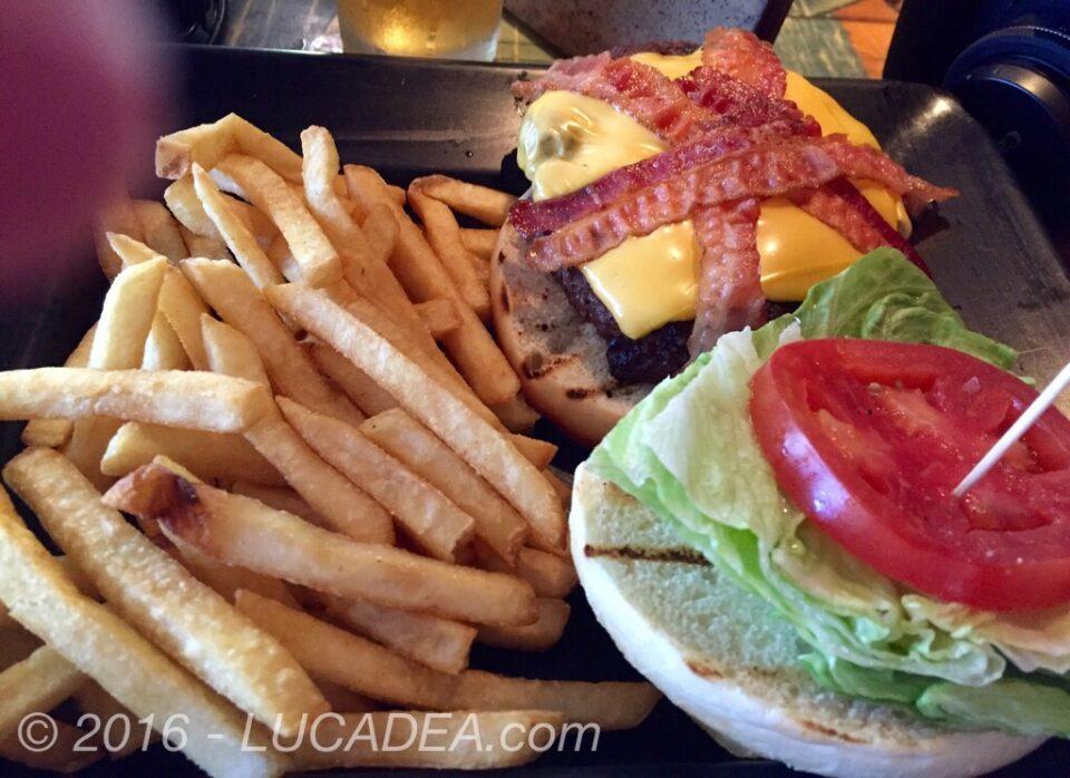 hamburger cheese e bacon