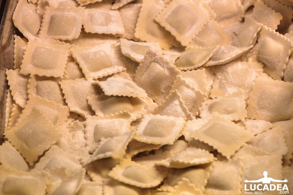 Ravioli freschi da pastificio buoni quasi come quelli for Case di tronchi freschi