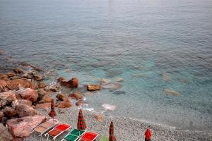 Mare-trasparente-a-Monterosso