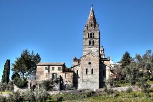 Basilica-dei-Fieschi-02