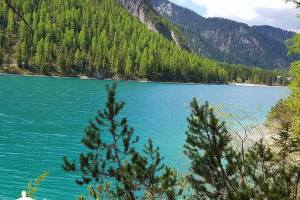 Lago_di_Braies_03