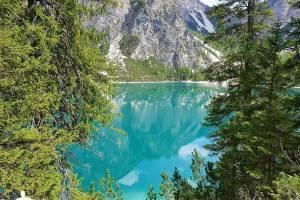 Lago_di_Braies_12