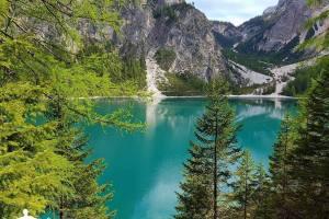Lago_di_Braies_13
