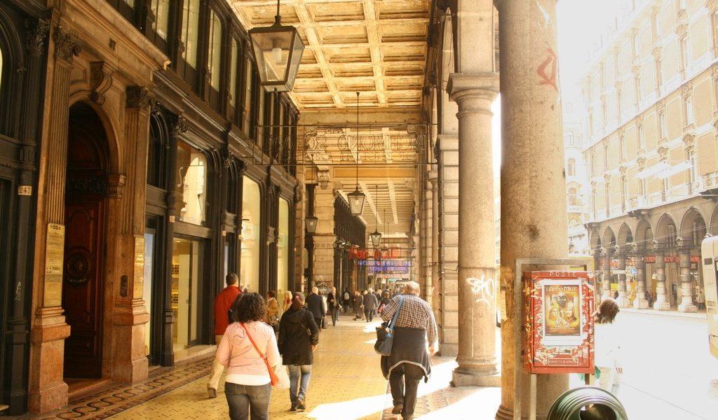 Via Venti Settembre a Genova