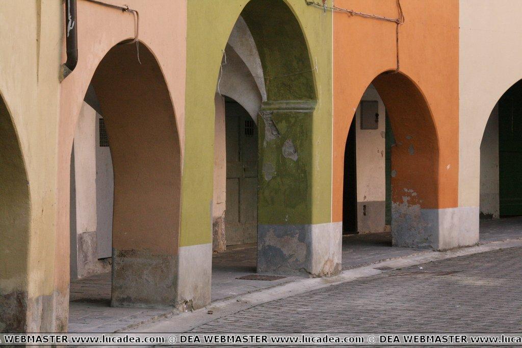 I portici di Varese Ligure
