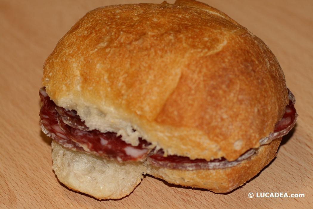 Un buon panino col salame