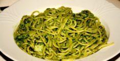 Spaghetti al pesto: la ricetta