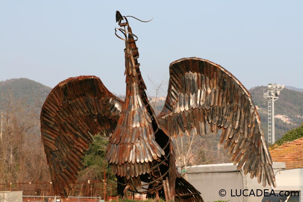 La statua della fenice a Sestri Levante
