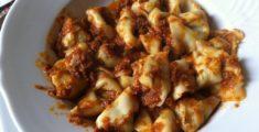 Pansotti (tortiglioni) al ragù di carne (foto)