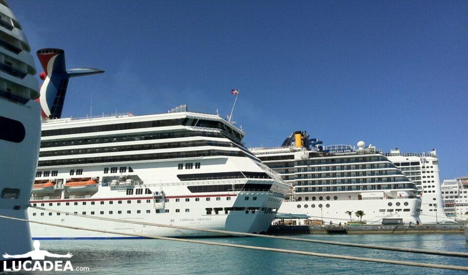 Navi a Nassau