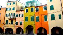 La piazza e le case di Varese Ligure