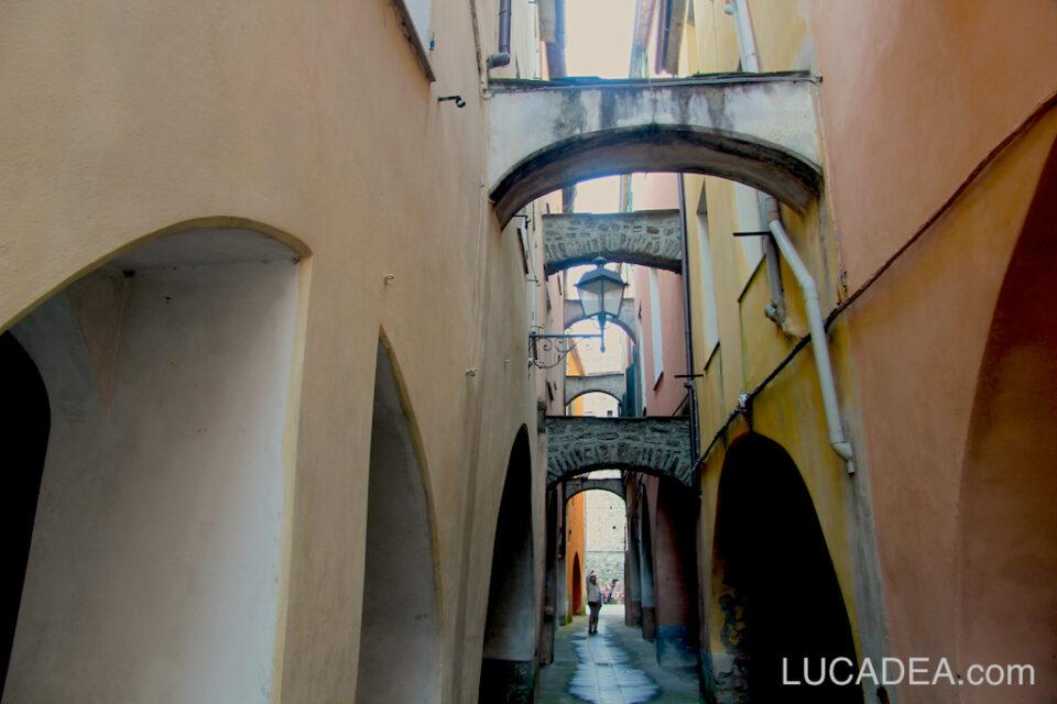 Vicolo caratteristico di Varese Ligure