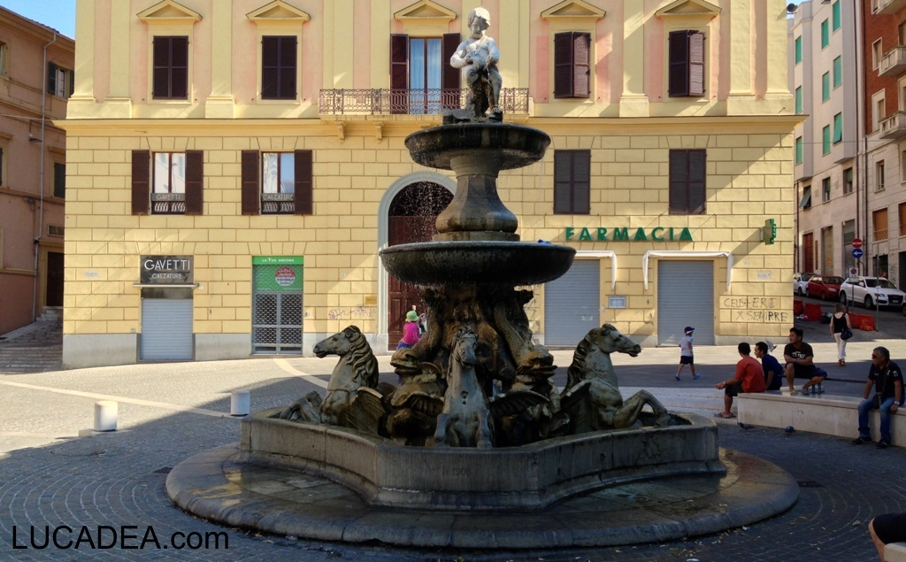Ancona e la fontana dei Cavalli