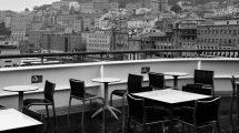 Pioggia sul buffet (foto bn)