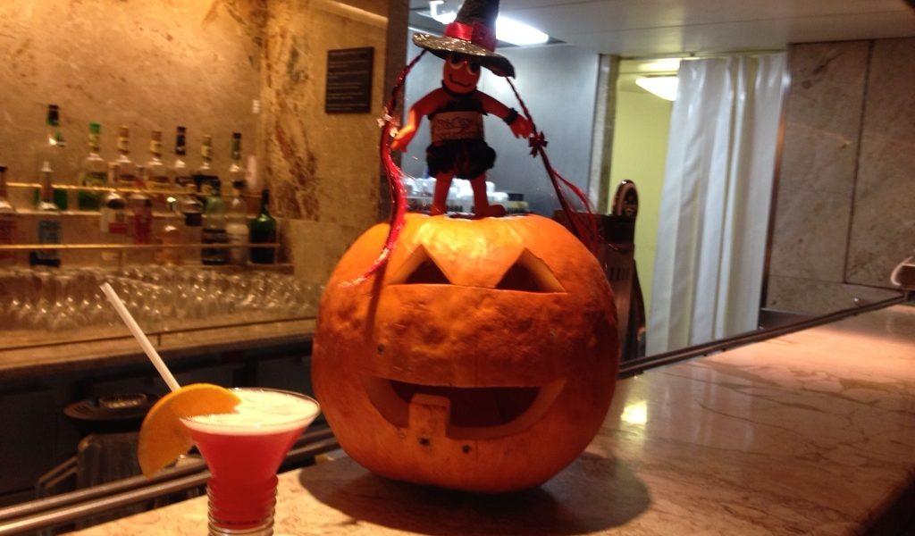 Halloween in nave