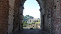 I fori romani visti dal Colosseo (foto)