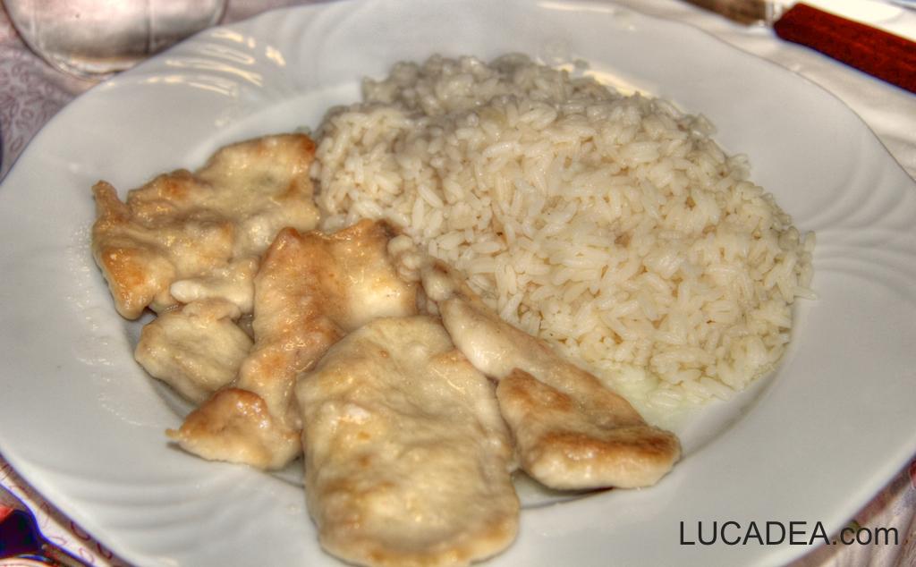 Scaloppine al limone e riso (foto hdr)