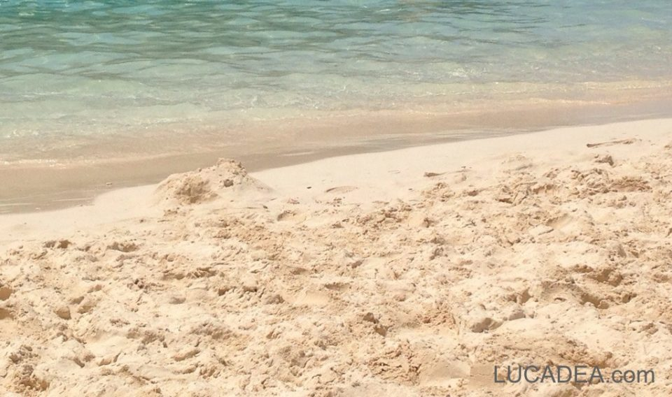 Spiaggia corallina a Grand Turk