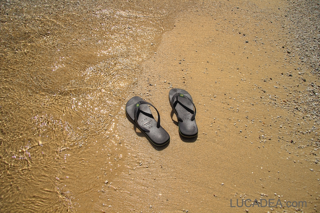 Ciabatte in riva al mare