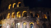 Colosseo in notturna