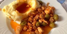 Pollo in umido con purea di patate