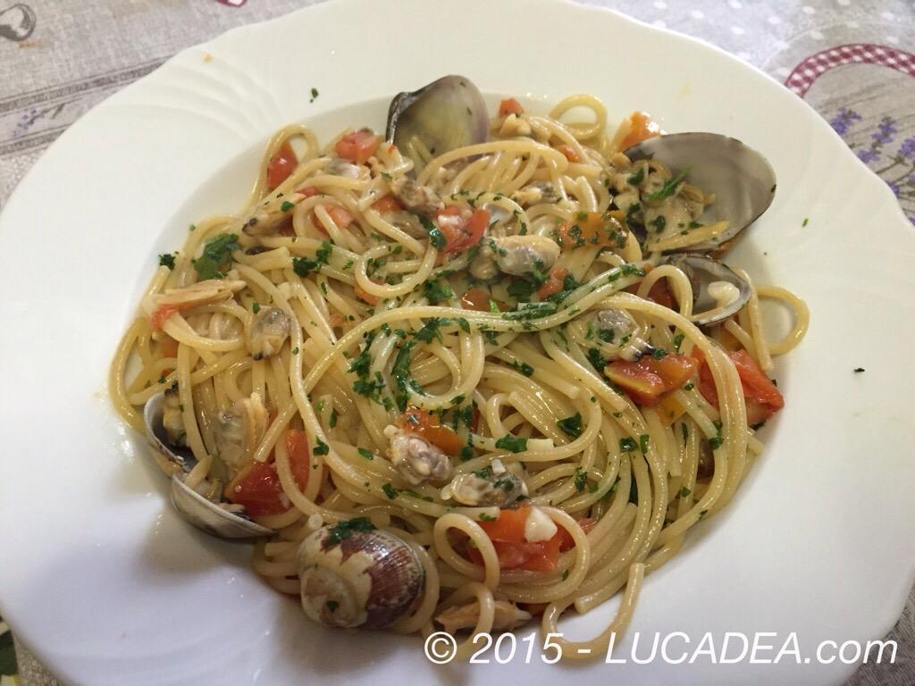Spaghetti integrali alle vongole, la ricetta
