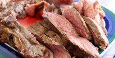 Bistecca alla griglia tagliata (foto)