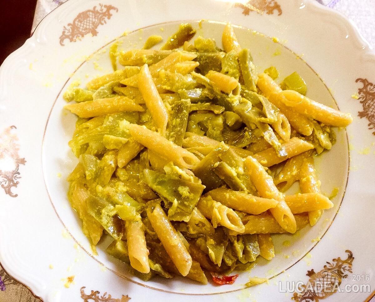 Carbonara leggera di carciofi, profumata con curcuma, la ricetta