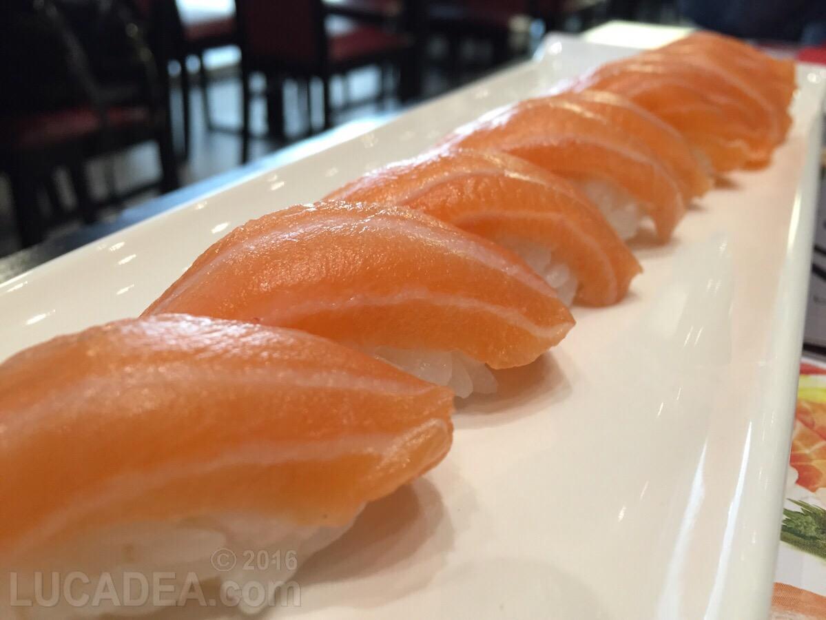Nigiri: sushi di salmone