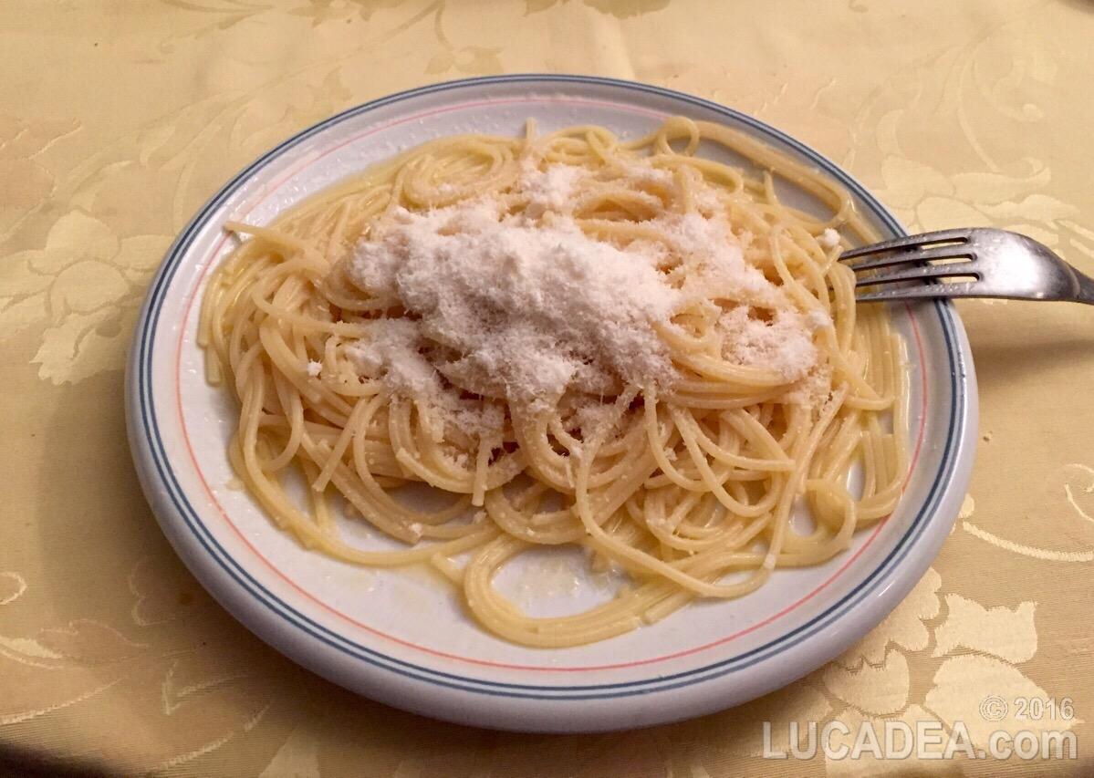 spaghetti in bianco