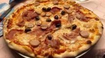 Pizza prosciutto e würstel e olive
