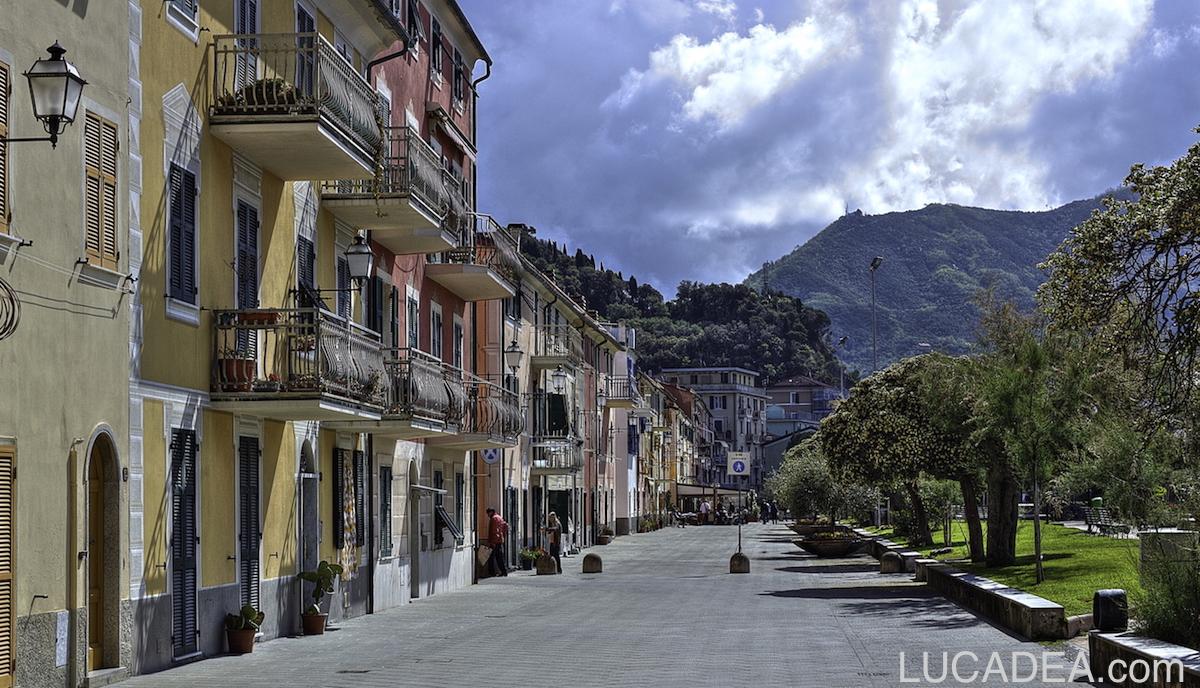 Riva Trigoso a Ponente: le case sulla passeggiata