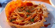 Tagliolini freschi al sugo di granchio (foto)