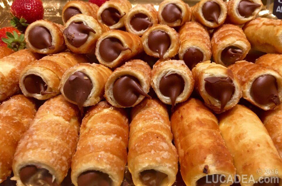 cannoncini al cioccolato