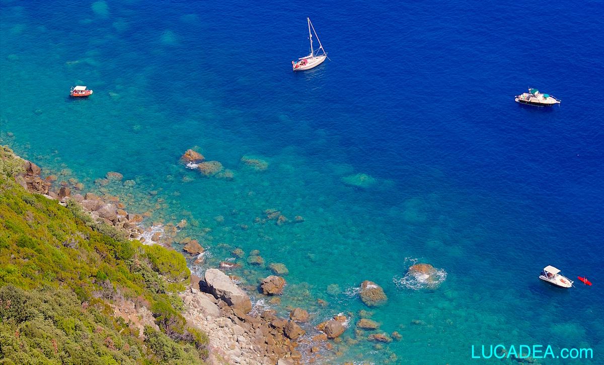 Mare blu in Liguria (foto)