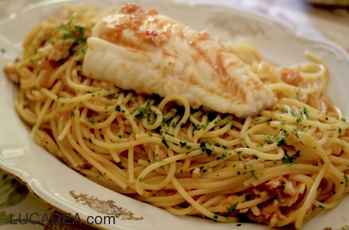 Spaghetti al sugo di pesce (foto)