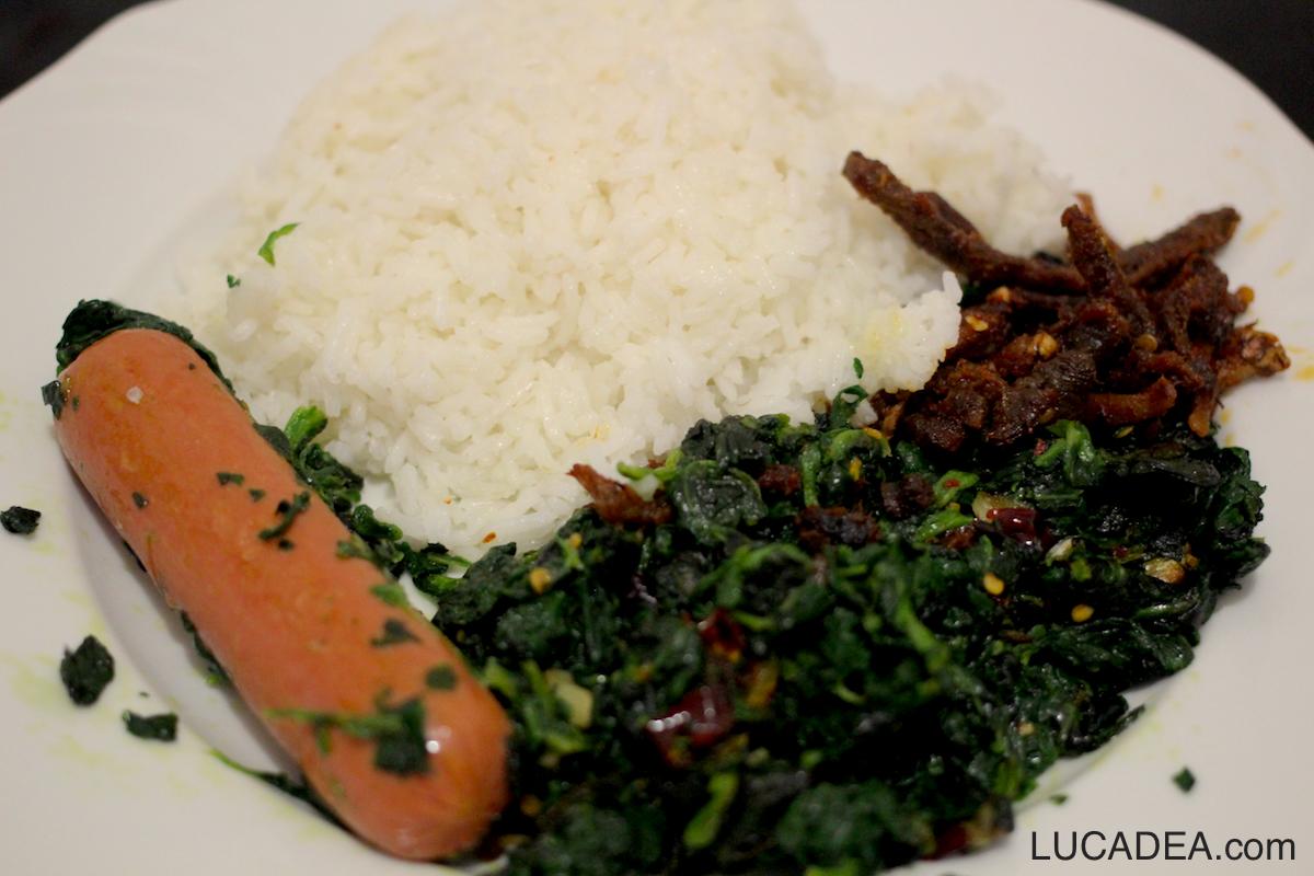 Wurstel, spinaci e riso