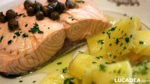 Salmone bollito e patate