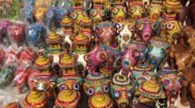 Souvenir di elefanti fatti a mano in Sri Lanka (foto)
