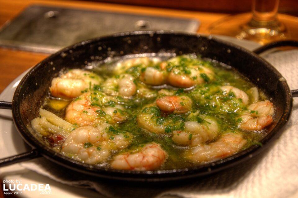 Gamberetti con aglio e peperoncino