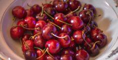 Ciliegie rosse scure: belle, buone e di stagione
