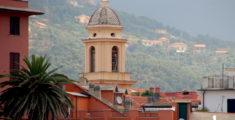 Il campanile di San Pietro in Vincoli a Sestri Levante (foto)