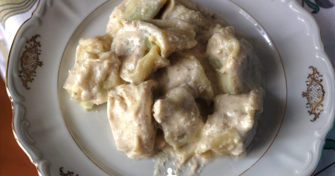pansotti rotondi alla salsa di noci
