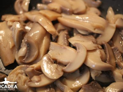 Funghi in scatola