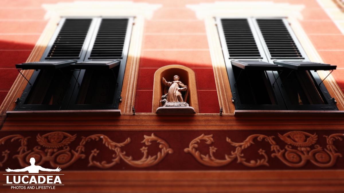 Icone sui palazzi