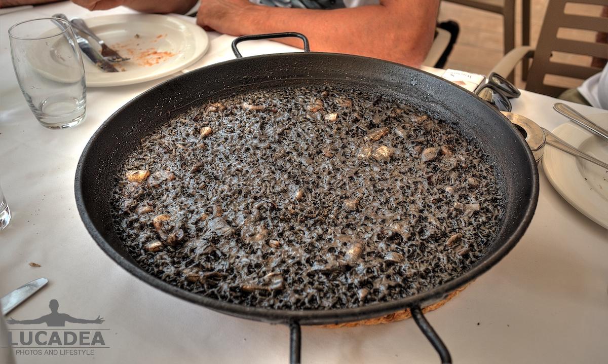 Paella al nero di seppia