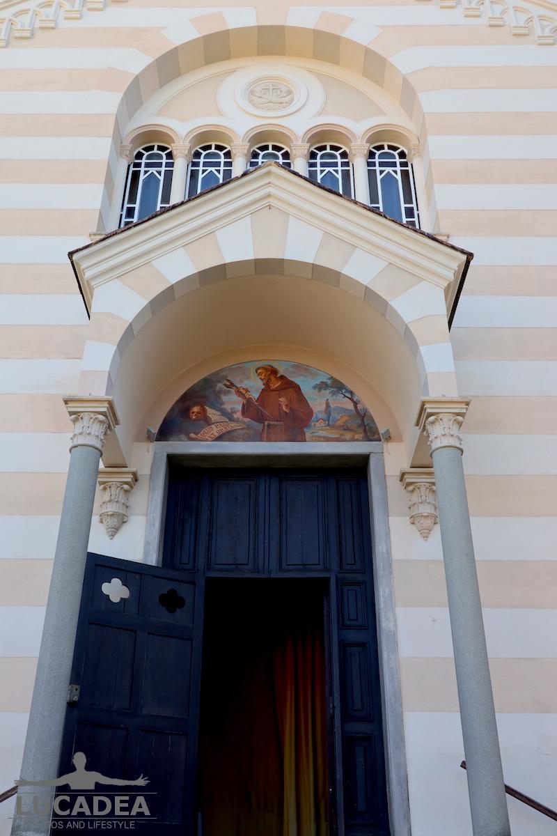 Ingresso chiesa dei Cappuccini a Sestri Levante