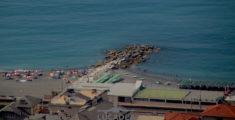 Una delle spiagge di Cavi di Lavagna