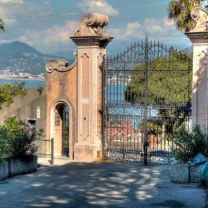 Cancello sulla Baia